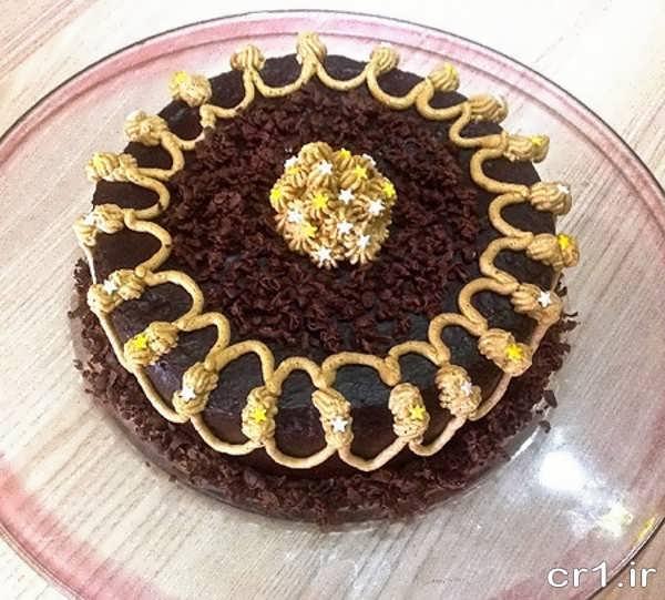 تزیین ساده کیک شکلاتی در منزل