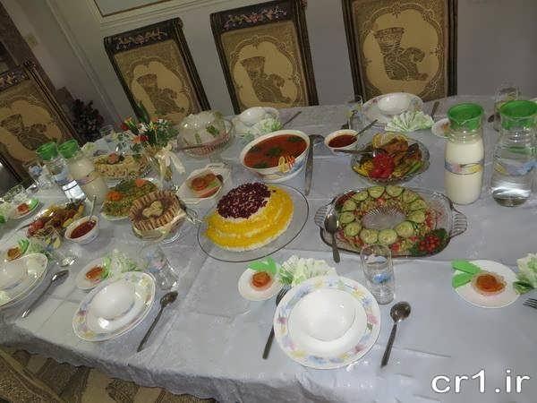 چیدمان ظروف در سفره غذا