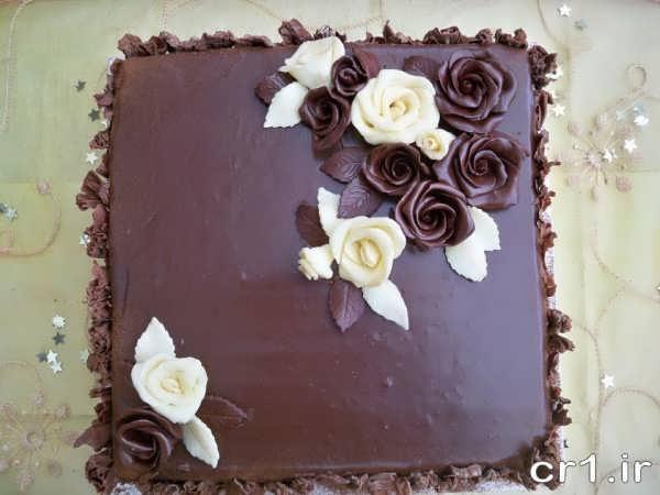 تزیین ساده کیک با شکلات تخته ای