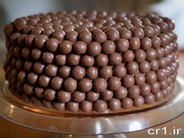 تزیین روی کیک با شکلات های ریز