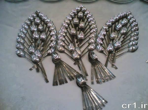 چیدن قاشق و چنگال روی میز