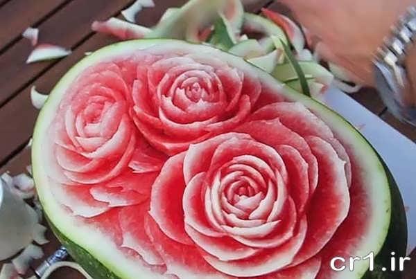 حکاکی گل رز روی هندوانه