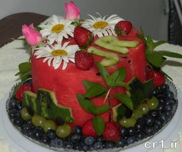 هندوانه به شکل کیک تولد