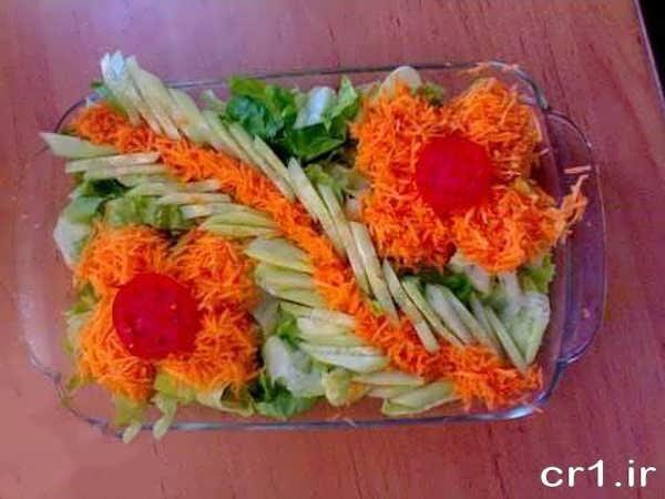 تزیین روی سالاد کاهو به شکل گل