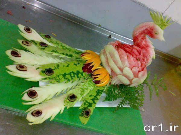 تزیین شیک هندوانه به شکل طاووس