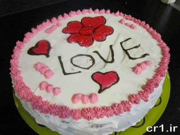 تزیین کیک با خامه برای جشن تولد