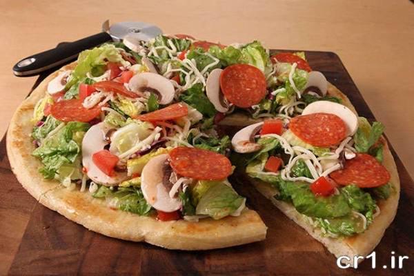 تزیین روی پیتزا