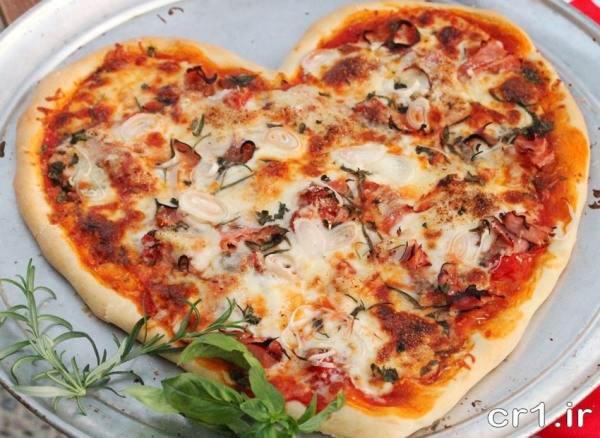 عکس پیتزا تزیین شده