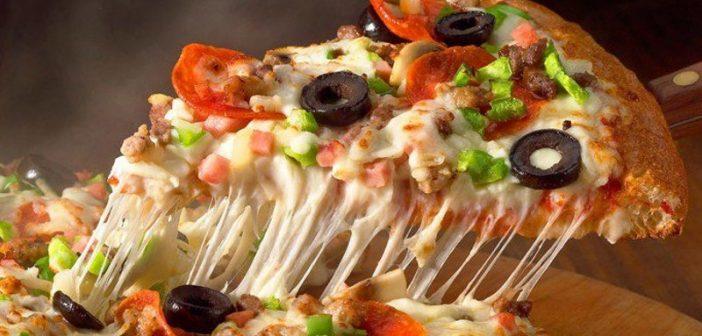 تزیین پیتزا