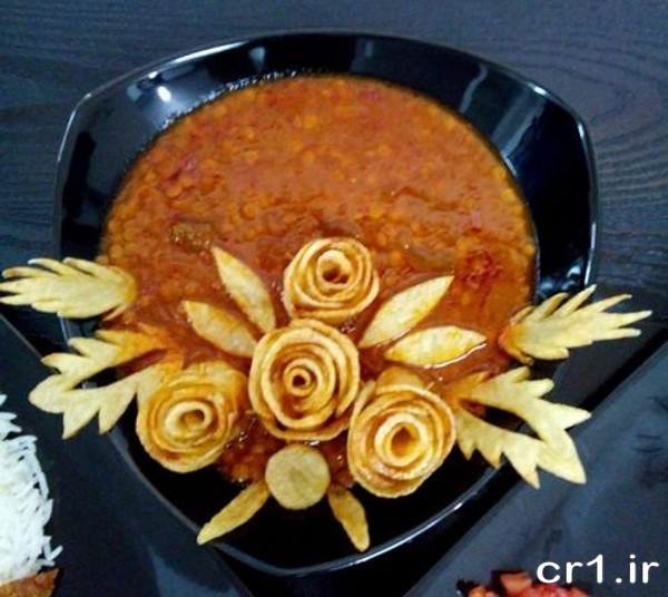 تزیین خورشت با سیب زمینی به شکل گل رز