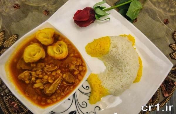 تزیین برنج و خورشت قیمه مجلسی