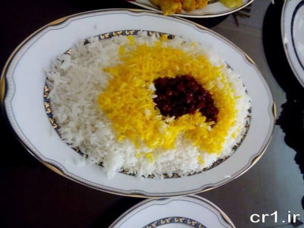 تزیین ساده برنج با زعفران