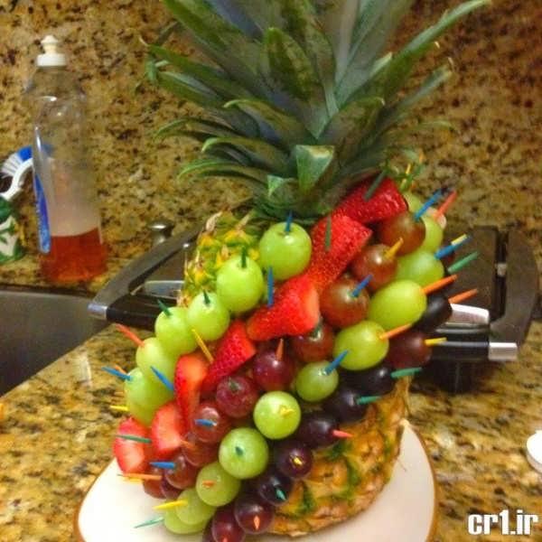 تزیین کردن آناناس با انگور