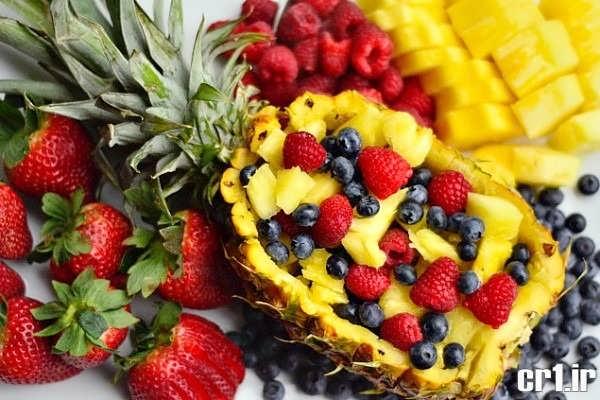تزیین آناناس با میوه های مختلف