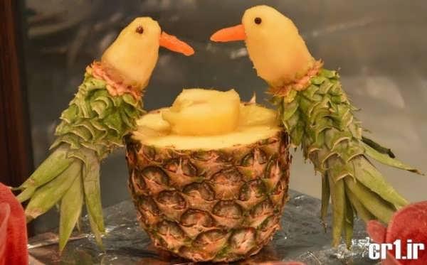 تزیین زیبا آناناس به شکل طوطی