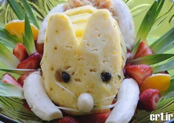 آناناس تزیین شده با موز