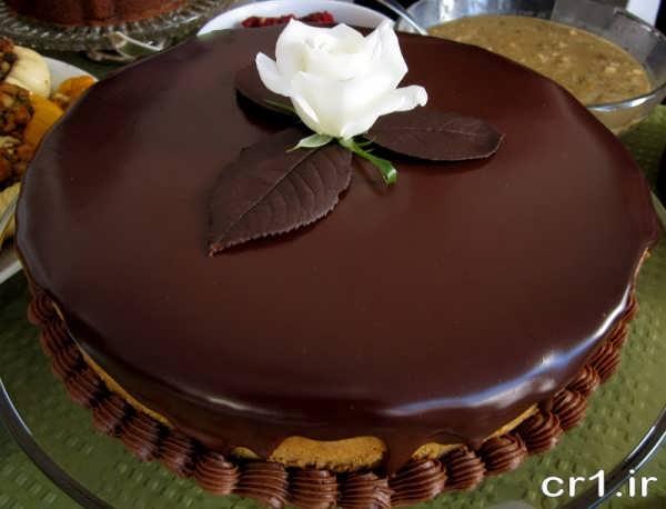 تزیین کیک با گاناش و خامه