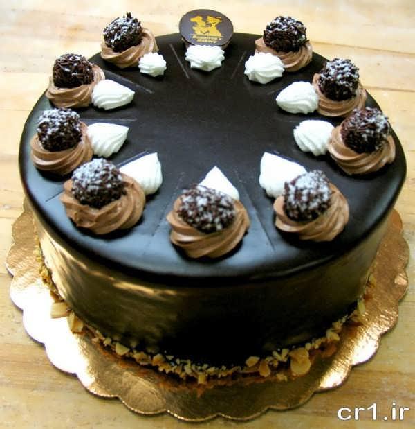 تزیین کیک با خامه و گاناش