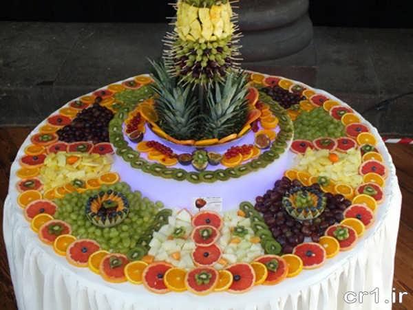 تزیین میوه برای تولد روی میز