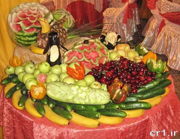 میوه آرایی روی میز برای تولد