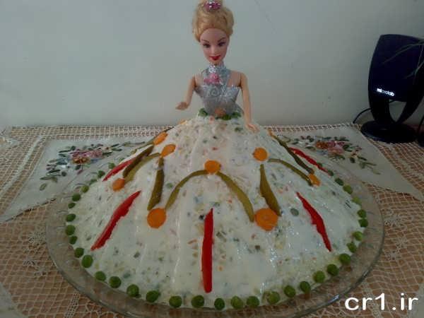 تزیین سالاد الویه با عروسک باربی برای تولد