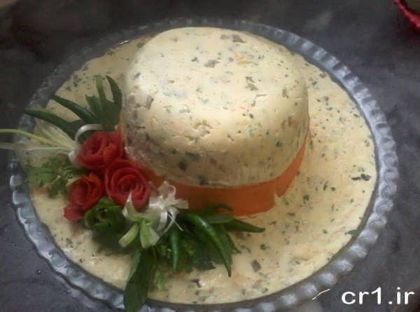 تزیین سالاد الویه به شکل کلاه