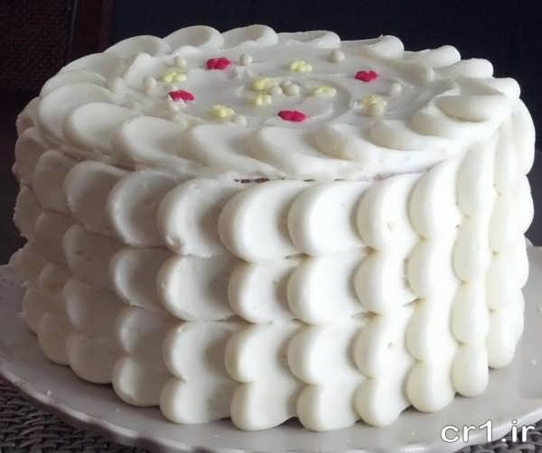 تزیین کیک اسفنجی با خامه