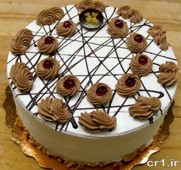 تزیین کیک های اسفنجی با خامه