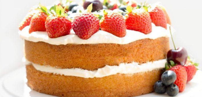تزیین کیک اسفنجی