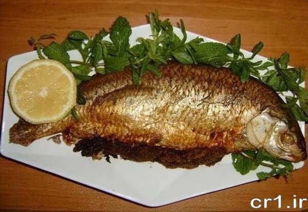 تزیین ساده ماهی با سبزی