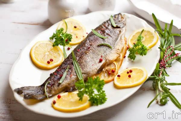 تزیین ساده ماهی شکم پر