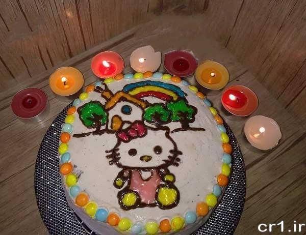 تزیین کیک با طرح کیتی