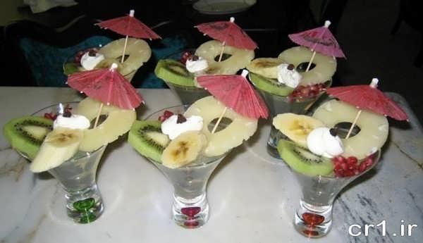 تزیین ژله در جام با میوه
