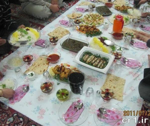 تزیینات سفره غذا ایرانی