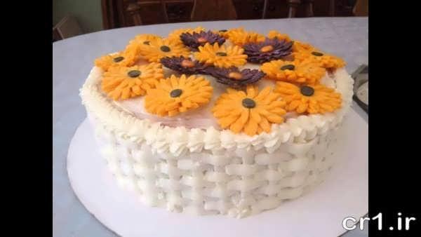 دیزاین روی کیک تولد با خامه
