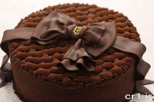 تزیین کیک با خامه شکلاتی
