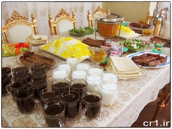 چیدن میز غذا برای مهمانی خودمانی