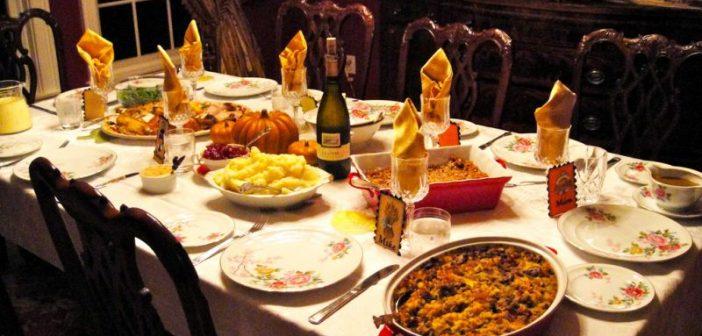 تزیین میز غذا برای مهمانی
