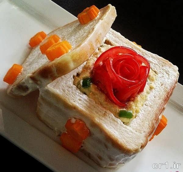 تزیین سالاد الویه با نان تست برای مهمانی