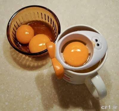 جدا کردن زرده و سفیده تخم مرغ