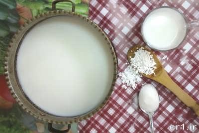 مواد لازم برای تهیه فرنی با نشاسته