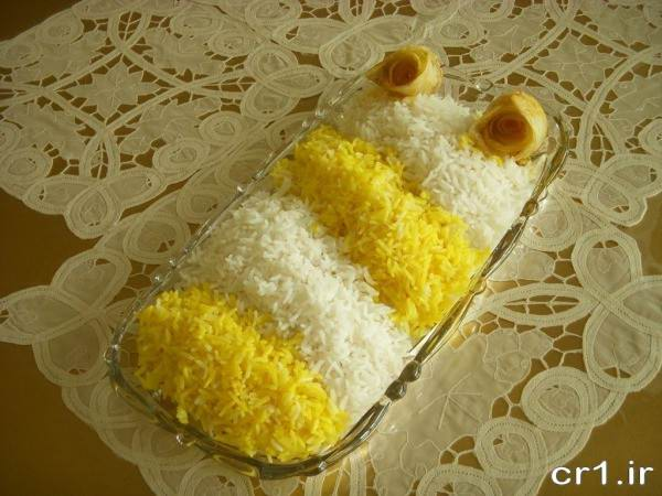 مدل تزیین برنج با زعفران