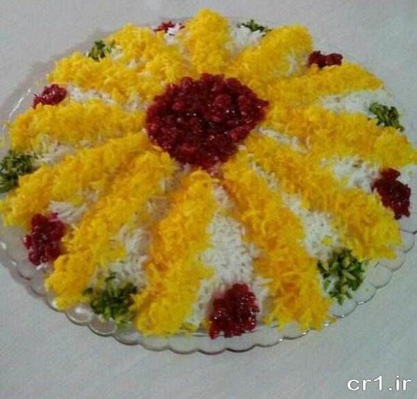 عکس تزیین برنج با زرشک و زعفران