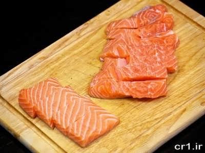 تکه تکه کردن ماهی سالمون