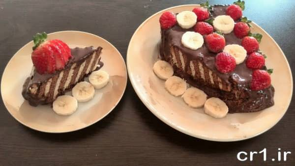 تزیین روی کیک یخچالی با میوه