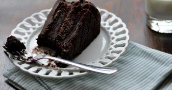 طرز تهیه کیک خیس در منزل