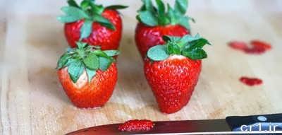 طرز تهیه دسر توت فرنگی در خانه