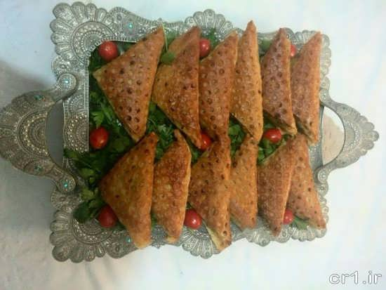تزیین سمبوسه با نان لواش