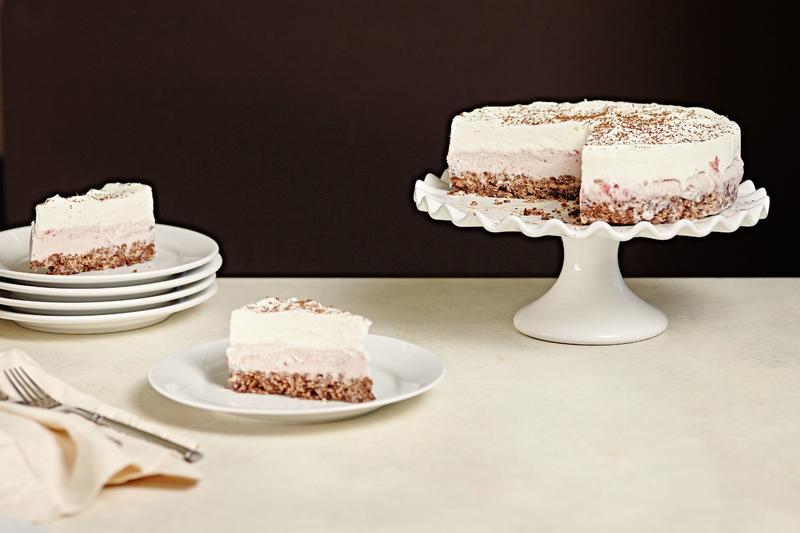 طرز تهیه کیک خامه ای خوشمزه