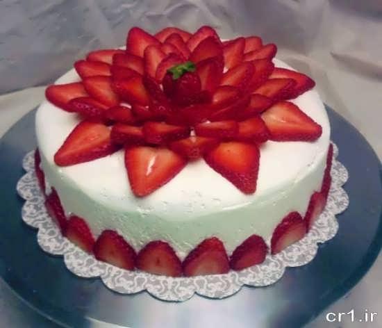 تزیین کیک با توت فرنگی